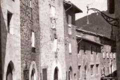 Calle Arriba, 1943. @Archivo de Salva G.