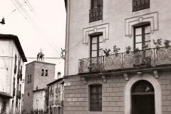 Fachada Ayuntamiento, al fondo la Iglesia, 1935 @Archivo de Salva G.